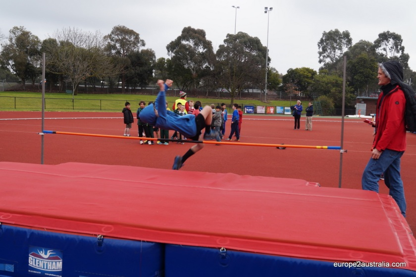 All the activities are real athletic elements. Here the high jump, very impressive techniques by some students. Kai being new it this did not perform bad either. He made it to 1 meter (which I find impressive with his 1,30 lenght and no former experience to this).