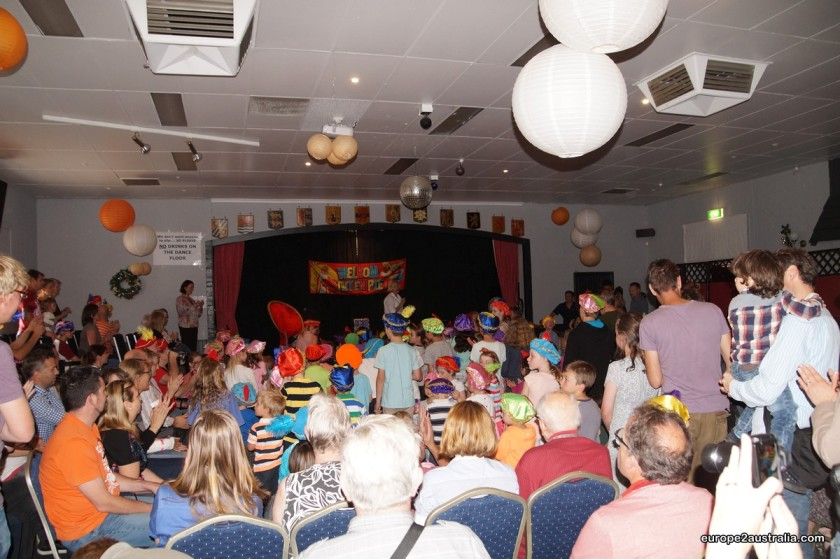 A room full of children was waiting for him, singing the old Dutch songs.