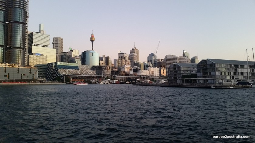 Darling Harbour: Lot's of restaurants and cafe's.