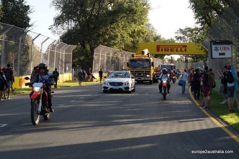melbourne_F1-convoy