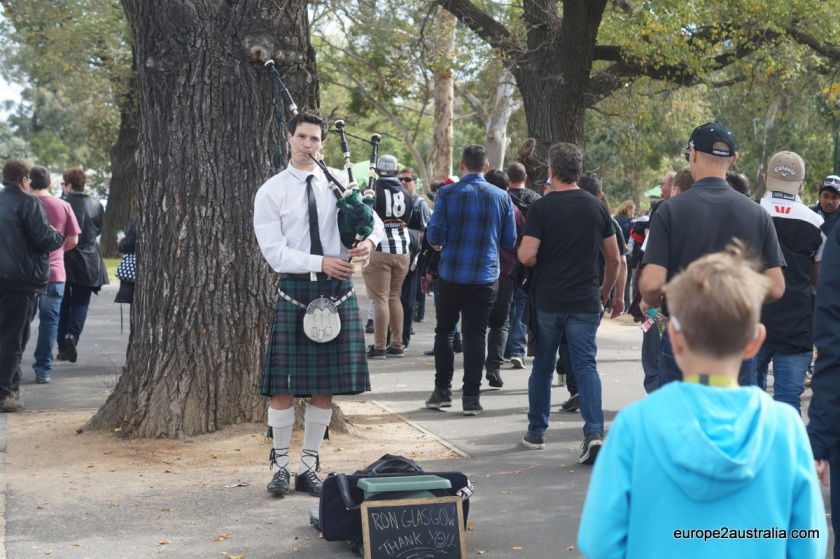 On the way from Richmond station, we were greeted by some Scottish music.