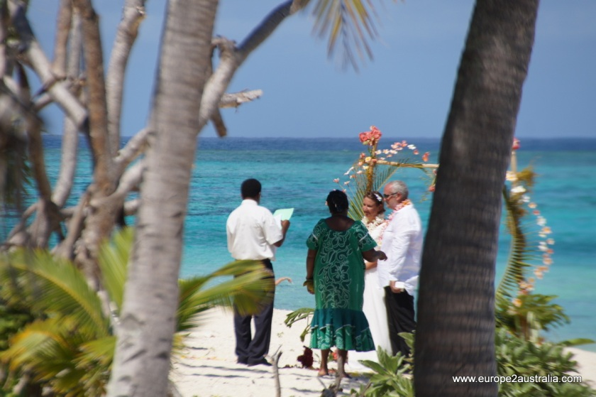wedding-on-mystery-island